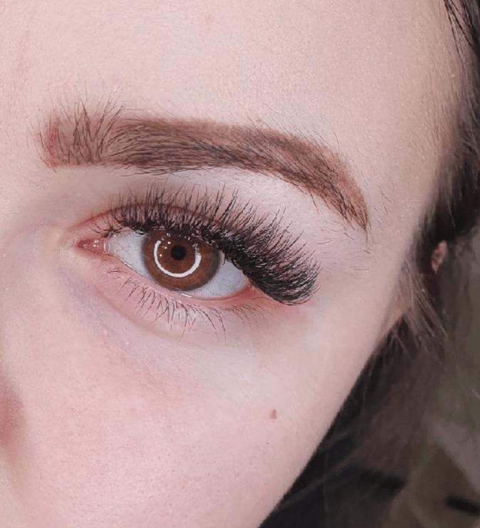 eyelashes with volume