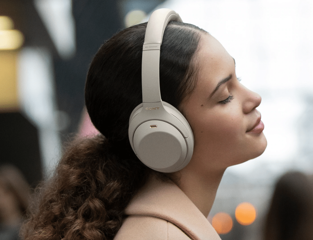 Sony WH-1000XM4  Airpods MaX Alternatives