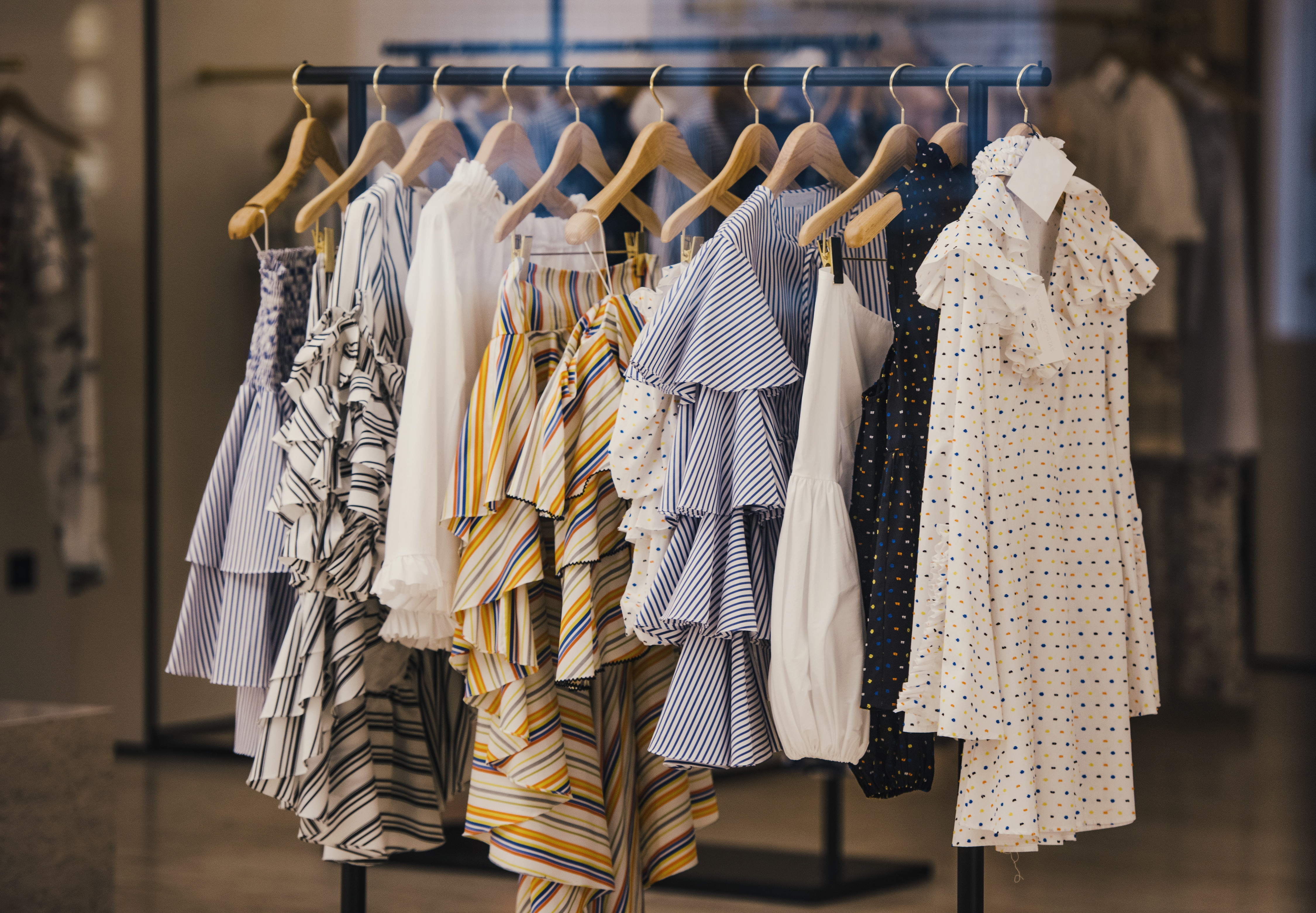 5 Top Clothing Manufacturers for Small Businesses in The USA ...